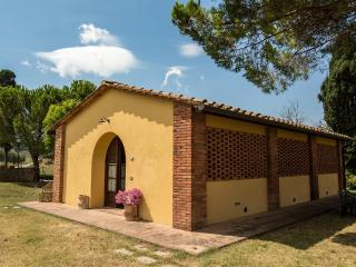 CASA D' ERA COUNTRY HOLIDAY HOUSE Flat Butterly - Lajatico vacation rentals