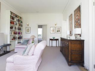 Bright House with Internet Access and Television - London vacation rentals