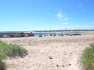 Perfect 3 bedroom Cottage in Beadnell with Internet Access - Beadnell vacation rentals