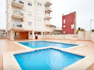 3 room+Pool+WiFi+Satellite+WaterFilter+AirConditio - Torrevieja vacation rentals