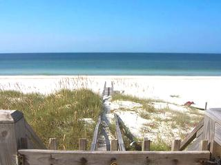 Potter House-3BR/2BA-BEACH Front-Spacious Deck*10%OFF Apr 1- May26* - Port Saint Joe vacation rentals