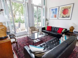 Nice Earls Court 2 Bedroom Apartment in Kensington - London vacation rentals