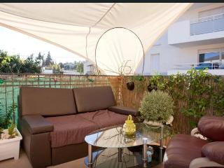 Nice duplex with beautiful terrace - Montpellier vacation rentals