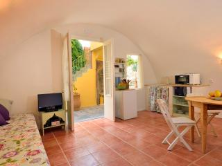 Aria di Rodi - Studio in medieval garden - Rhodes Town vacation rentals