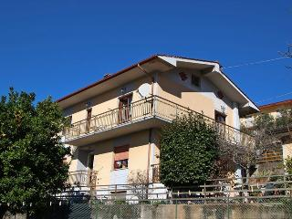 Comfortable 2 bedroom House in Montignoso - Montignoso vacation rentals