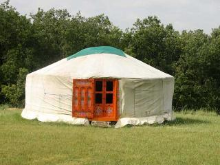 Nice Yurt with Garden and Short Breaks Allowed - Castelnaudary vacation rentals