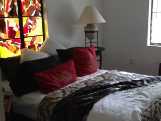 Beautiful downtown Oasis!  Terra Ceia Hacienda - Bradenton vacation rentals