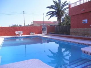 Nice 2 bedroom La Nucia House with Internet Access - La Nucia vacation rentals