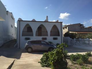 Bright 3 bedroom Sorso Villa with Parking - Sorso vacation rentals