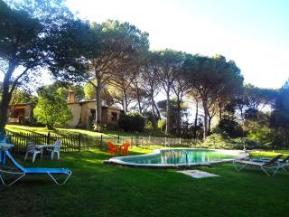 Charming and Private Villa in Santa Cristina D´Aro - Santa Cristina d'Aro vacation rentals