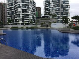 AraGreens Residences @ Ara Damansara - Petaling Jaya vacation rentals