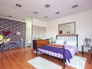 Aromatic Room Quinta de Santa Maria Casa Nostra - Sintra vacation rentals