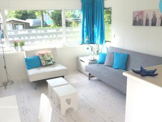 Newly decorated; 5p, garden, wifi, pool, sports - Makkum vacation rentals