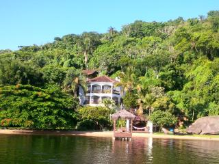 Independent loft in Villa Colosseo. - Lagoa da Conceicao vacation rentals