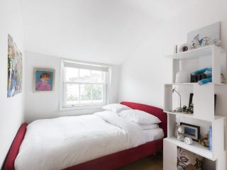 onefinestay - Kensington Church Street III apartment - London vacation rentals