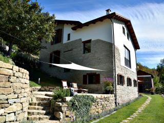 Villa Lucciola in Piedmont, Italy - Saliceto vacation rentals