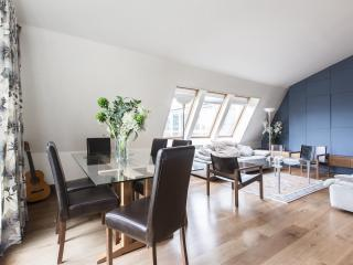 onefinestay - Lambs Conduit Street private home - London vacation rentals