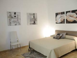 Nice Townhouse with Internet Access and Washing Machine - Giulianova vacation rentals
