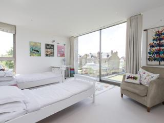 One Fine Stay - Lyford Road apartment - London vacation rentals
