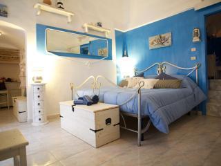 IL NIDO AZZURRO: Your Romantic Blue Nest In Vieste - Vieste vacation rentals