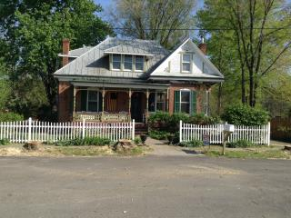 1880 Victorian private house in the country - Hermann vacation rentals