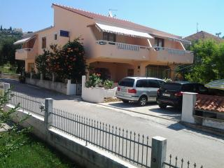 Beautiful Condo with Internet Access and A/C - Marina vacation rentals
