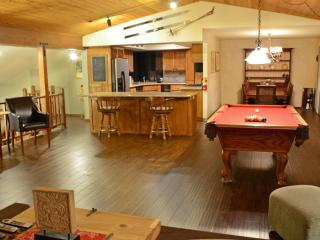 1 mile from skiing: pool table, spa, Wifi for 16 - City of Big Bear Lake vacation rentals