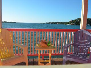Hill View Cabins - Flamingo Cabin - Roatan vacation rentals