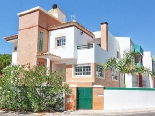 VILLA IN VILAMOURA WITH PRIVATE HOT TUB - Vilamoura vacation rentals