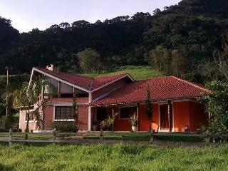 2 bedroom Cottage with Deck in Sao Bento do Sapucai - Sao Bento do Sapucai vacation rentals