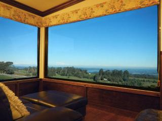 A COTTAGE WITH A VIEW AT TUDOR RIDGE - Kallista vacation rentals