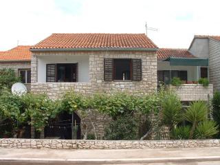 07401SUPE  A1 Gornji(4+1) - Supetar - Supetar vacation rentals