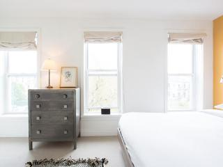 onefinestay - 16th Street apartment - Brooklyn vacation rentals