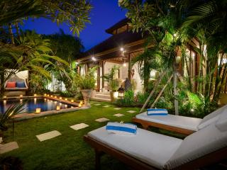 VILLA ISTANA SATU - SUPER VALUE POOL VILLA - Seminyak vacation rentals