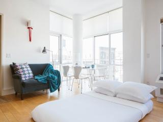 One Fine Stay - Greenpoint Park apartment - New York City vacation rentals