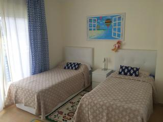 Townhouse Oasis, Fanabe - Playa de Fanabe vacation rentals