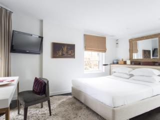 onefinestay - Warren Townhouse private home - New York City vacation rentals