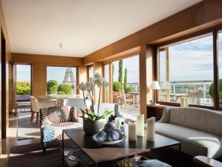 onefinestay - Avenue de la Motte-Picquet apartment - Paris vacation rentals