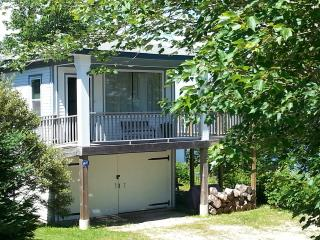 1 bedroom Cottage with Deck in Hubbards - Hubbards vacation rentals