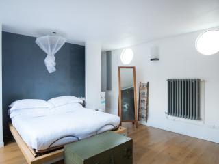 onefinestay - Quai de Stalingrad apartment - Paris vacation rentals