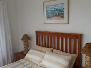 Nice House with Kettle and Satellite Or Cable TV - Struisbaai vacation rentals