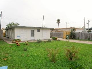Quirky beach home 1/2 block from beach w/ rooftop patio! - Port Isabel vacation rentals