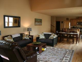 Spacious & Luxurious 4 bd 3 ba close to North Star - Truckee vacation rentals