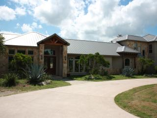 Spacious 4 bedroom Pipe Creek House with Internet Access - Pipe Creek vacation rentals