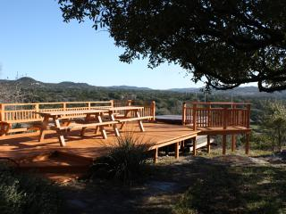 Cozy House in Pipe Creek with Dishwasher, sleeps 8 - Pipe Creek vacation rentals