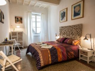 Accademia Art Apartments - Florence vacation rentals