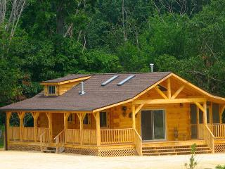 Nice Cabin with A/C and Alarm Clock - Harpers Ferry vacation rentals