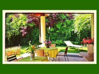 A CASA DI MANU Bed and Breakfast (3 bedrooms) - Desenzano Del Garda vacation rentals