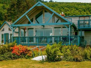 Enjoy quiet & serenity from this bayfront, pet-friendly home - Cloverdale vacation rentals