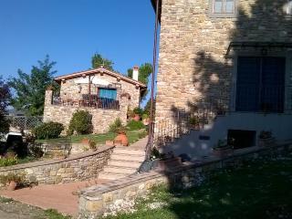 """appartamenti in agriturismo """"Magnolia"""" e """"Rosa"""" - Antella vacation rentals"""